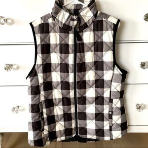 Kensie like new black white plaid puffer vest XL